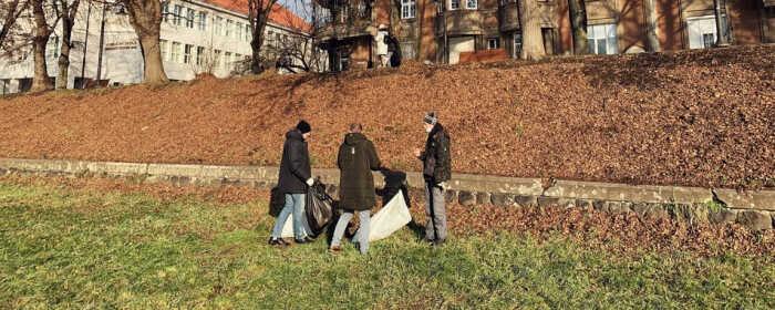 20 мішків сміття зібрали з берегів річки Уж на Закарпатті