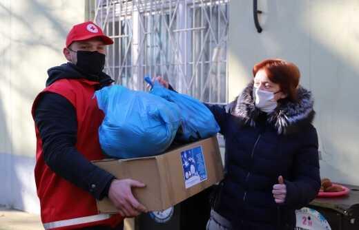 Три десятки малозабезпечених сімей Ужгорода отримали допомогу