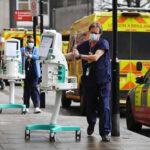 Великобритания решила снять карантинные ограничения из-за COVID-19 к концу июня