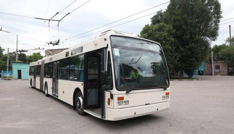 В Запорожье приобрели еще один современный троллейбус из Европы (ФОТО)