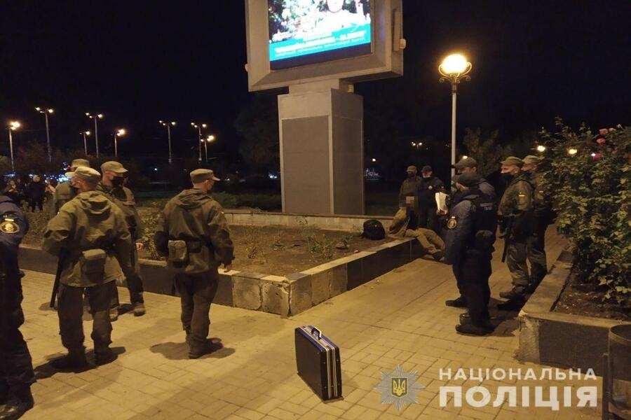 В Запоріжжі поліція затримала чоловіка, який стріляв у молоду жінку
