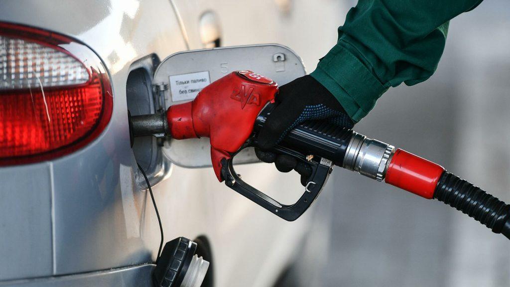 Цены на АЗС растут почти каждый день: как долго будут дорожать бензин и дизель
