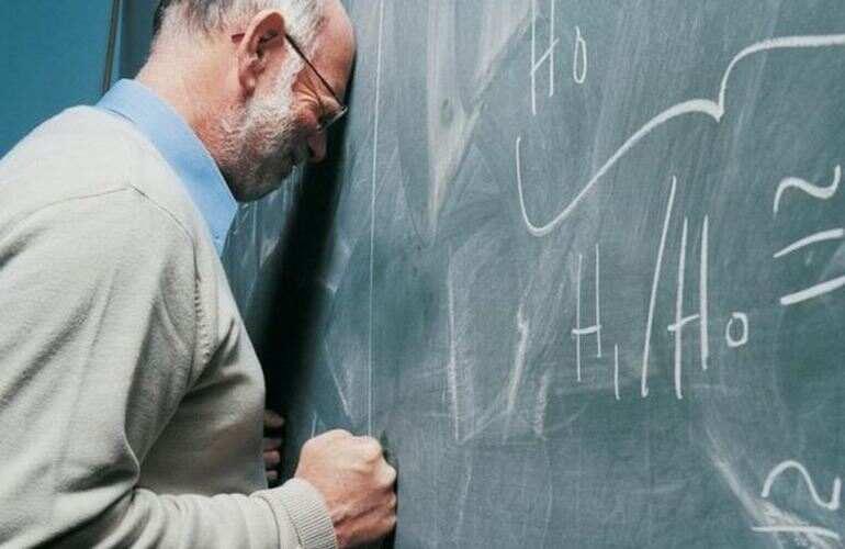 Подросток ради развлечения сломал аккаунты на учебной платформе и травил учителей