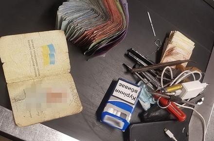 Поліція розслідує крадіжки грошей з вуличних автоматів для продажу води у Житомирі, підозрюваного вже затримали