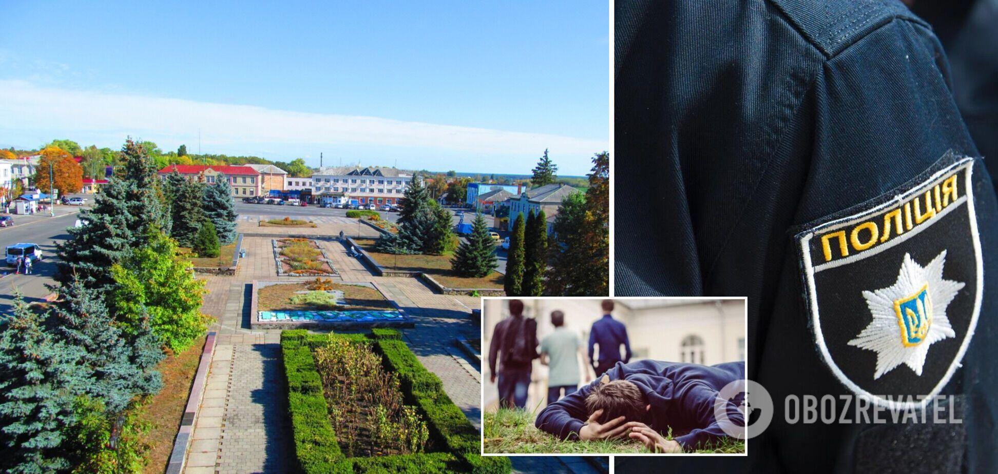 На Житомирщине подростки избили инвалида: нападавших заставили извиняться на коленях. Видео