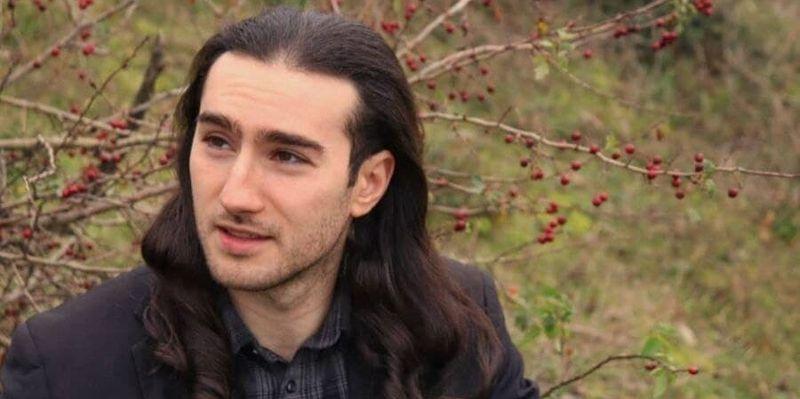 О поступке не жалеет: во Франции наказали мужчину, который дал пощечину Макрону