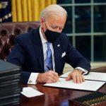 Украина получает удар в спину от друзей? Почему Белый дом готов принять Зеленского лишь в конце лета