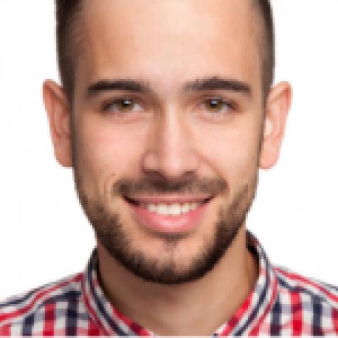 Person avatar: Niclas Kakomanolis