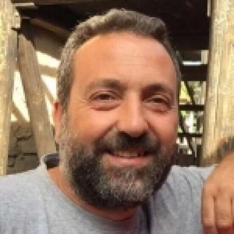 Person avatar: Carles Leg