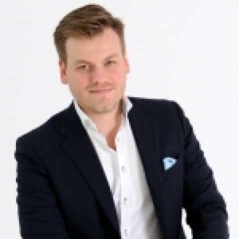 Person avatar: Maximilian Nageler