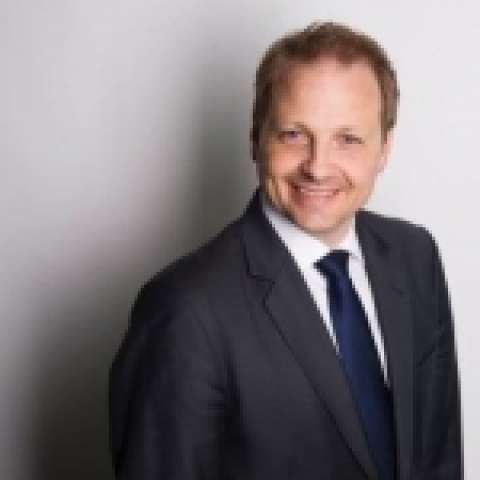 Person avatar: Simon Erdmann