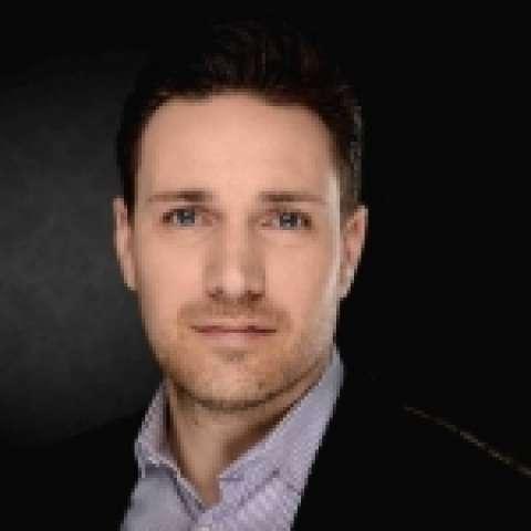 Person avatar: Janos Fischbach