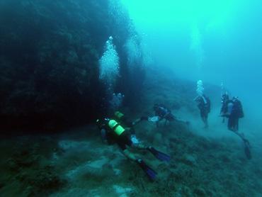 divers in advanced trip