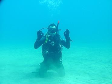 diver in advanced master course dive