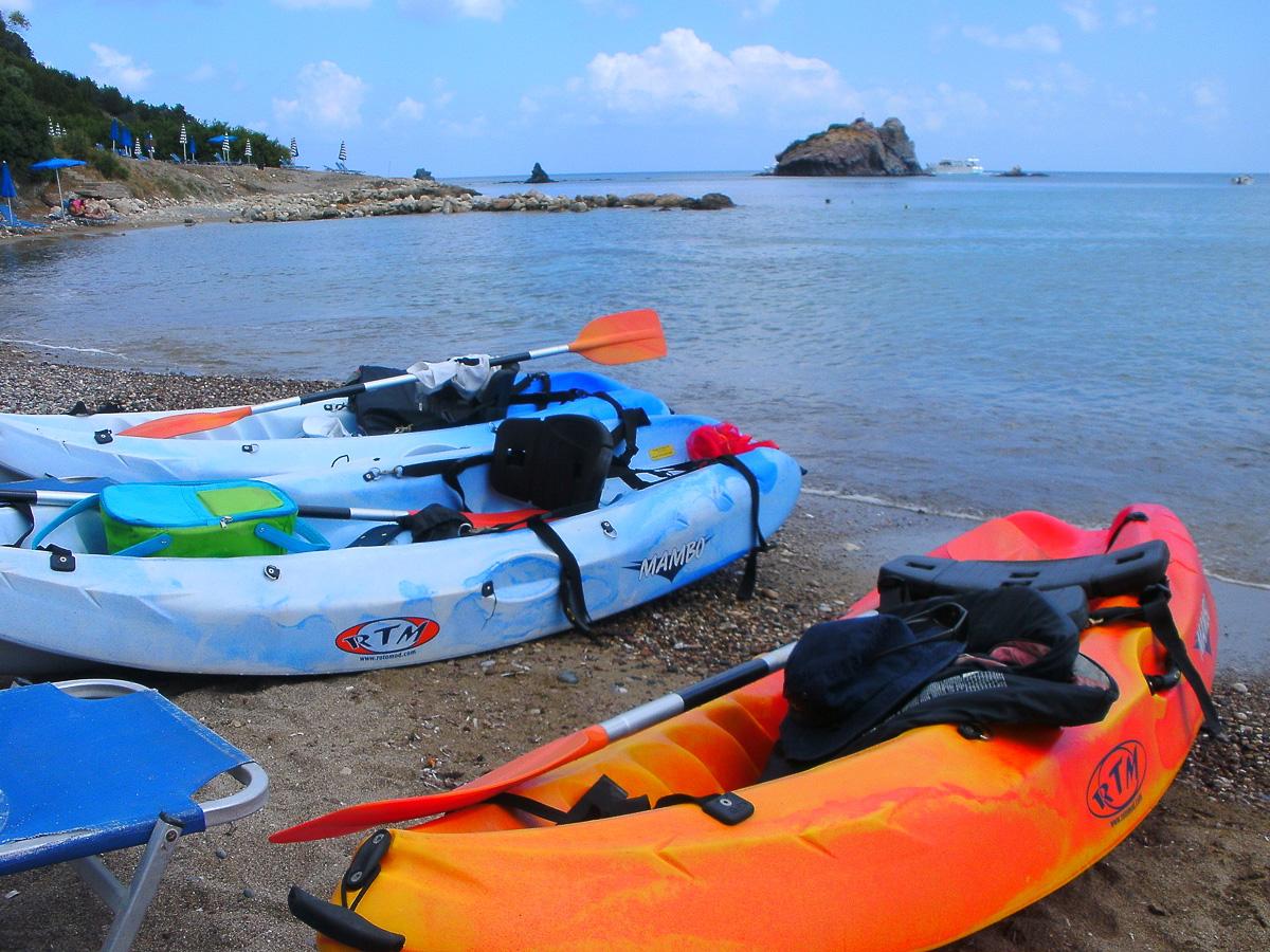 Cool Divers Latchi - kayak