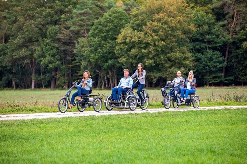Van raam driewielfiets rolstoelfiets duofiets