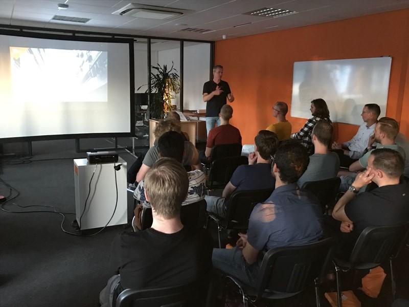 Kennissessie over software ontwikkeling door Alex Thissen 1