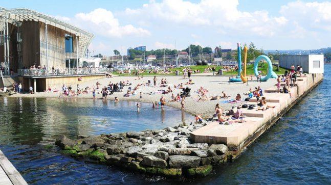 Badeanlegget på Tjuvholmen er nytt, men ideen er gammel. Allerede 1. juli 1840 ble det åpnet et damebad på Tjuvholmen.
