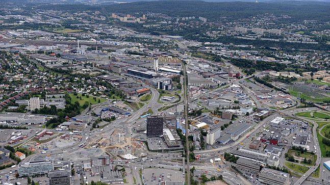 Hovinbyen oppleves i dag som fragmentert og lite sammenhengende. Bildet er av Økernkrysset.