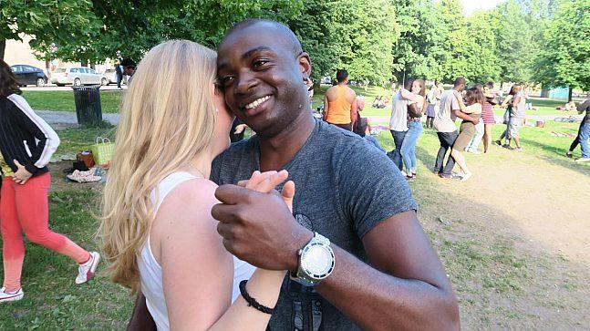 Valdemiro Machado liker å danse kizomba, høre musikk og sole seg i Sofienbergparken.