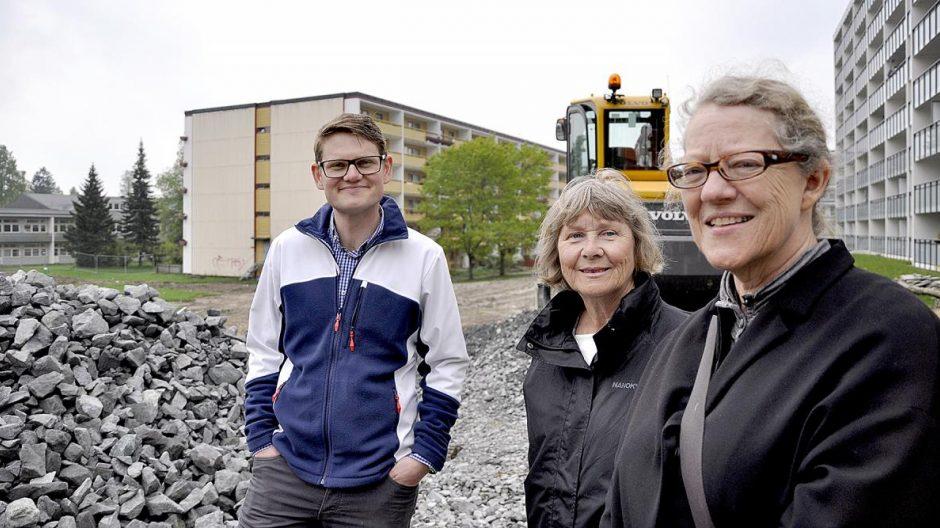 Mjærum Behring (f.v.) og Reidunn Myster Beier fra bydel Stovner og Ruth M. C. Holme Dammann i Plan- og bygningsetaten.