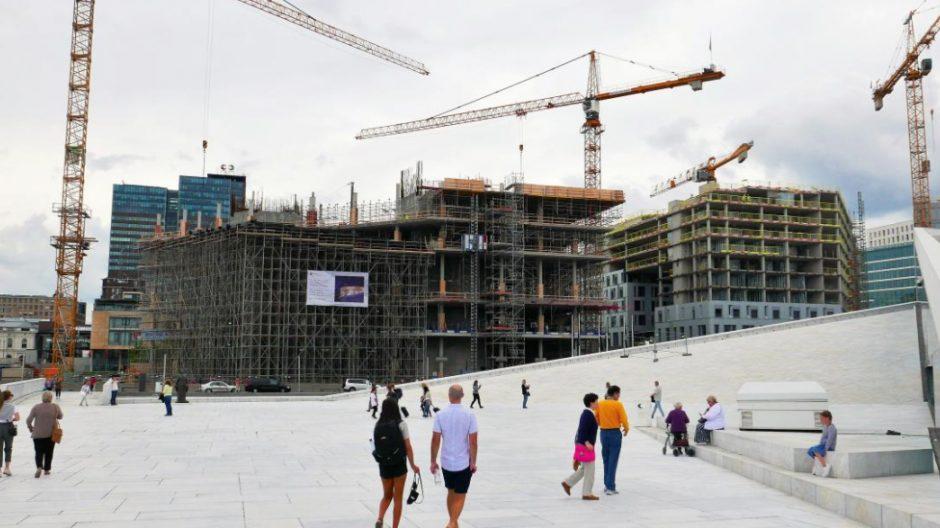 Etter en del tekniske problemer, er byggingen av det nye deichmanske bibliotek nå i rute.