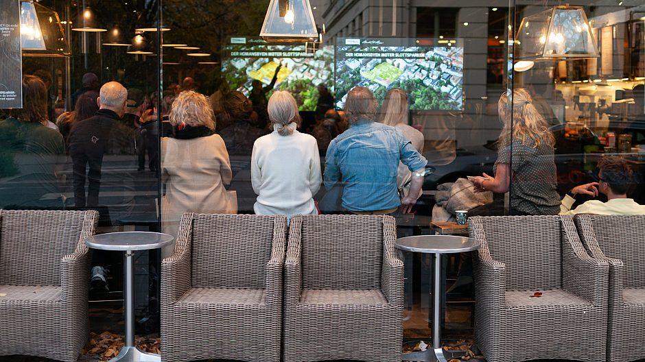 Mange hadde møtt opp på info- og involveringsmøtet på Espresso House i Parkveien.