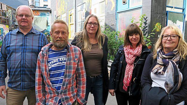 F.v. Jan Pedersen, forvalter for Hausmania for EBY, Gunnar Franck, styreleder for Hausmania, Anne Thomassen, daglig leder for Hausmania, Lena Nesset, EBY og Hanne Svith, EBY