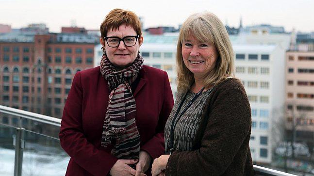 Hilde Tvervik Juva, leder for Dokumentsenteret i PBE, og Anne Lund, prosjektleder for Saksinnsyn.