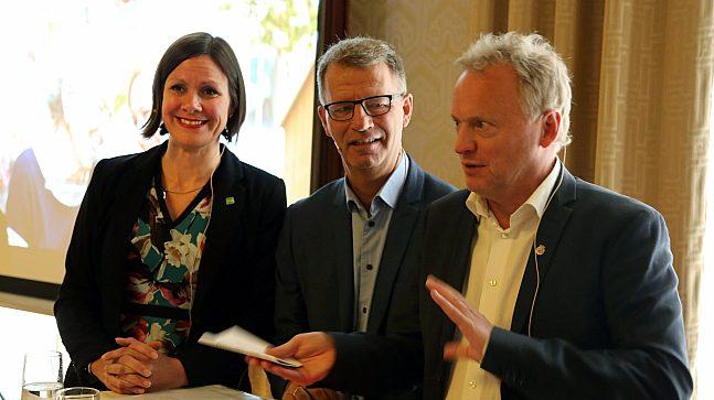 Byråd Hanna Marcussen, finansbyråd Robert Steen og byrådsleder Raymond Johansen under framleggingen av kommuneplanen.