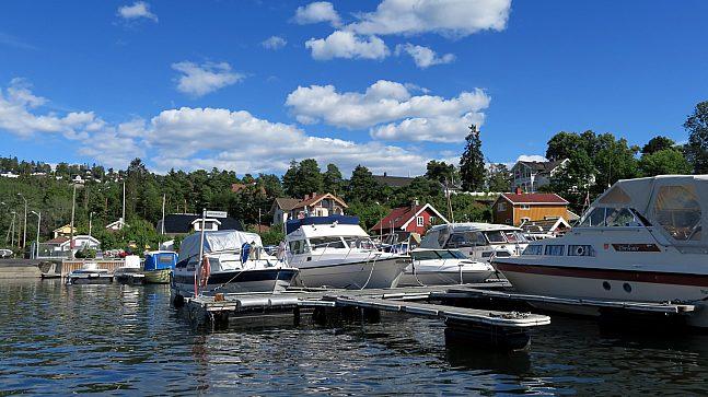 Oslo kommune ønsker å anlegge flere båtplasser i Oslo. Rundt 5.000 står i dag på venteliste og må regne med å vente i syv-åtte år før de kan få fast plass til båten sin.