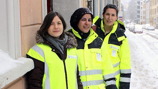 Dette trekløveret trålet Oslos Escape Rooms for å kontrollere brannsikkerheten. F.v.: Spesialrådgiver Oda Sebusæter, senioringeniør Raheleh Rahmati og prosjektingeniør Ragnhild Ertshus.