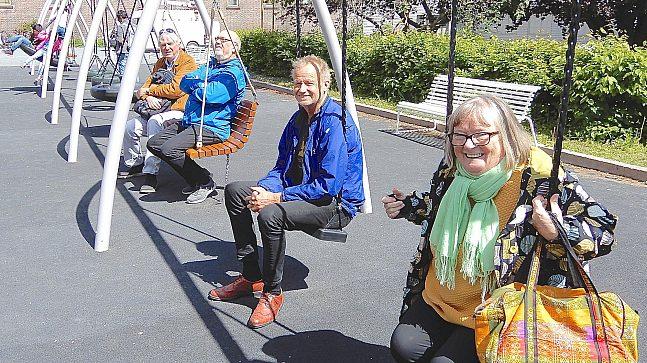Fire eldrekonsulenter i en huske: Jens Helgebostad, Ole A. Hansen, Preben Winger og Eva Qvist.
