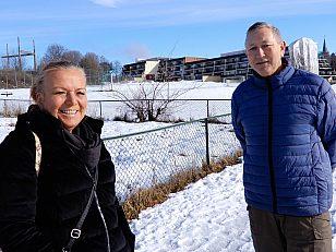 Naboene Inger Sandset Og Kristoffer Igdun