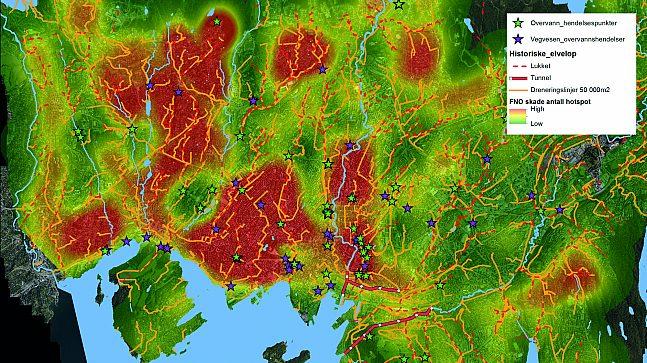 Figuren viser områder med opphopning av skader som følge av overvann og oversvømmelser som sammenfaller med kartlagte dreneringslinjer.