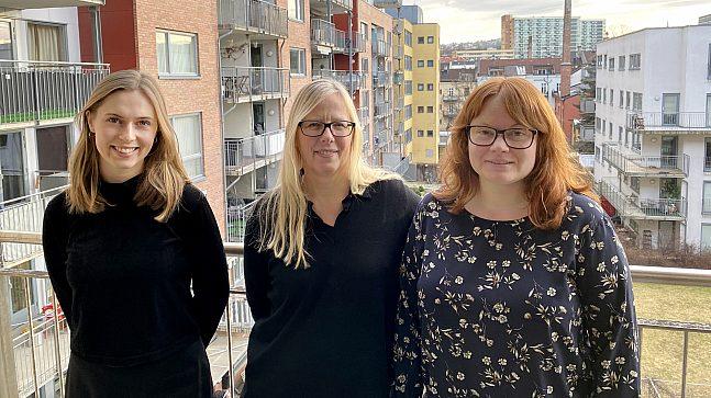 Marianne Rooth er prosjektleder for omreguleringen av Oppsal. Her er hun flankert av sine medarbeidere, prosjektarkitektene Yngvild Margrethe Mæhle (t.v.) og Annika Norderud (t.h).