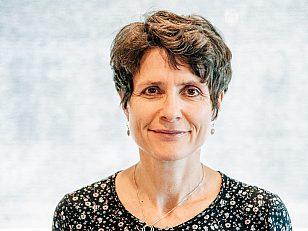 Nasjonal gravplassrådgiver, Åse Skrøvset er tilfreds med utvalgets anbefalinger og lovendringen som trer i kraft i 2021