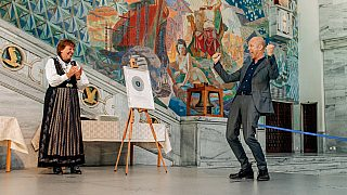 Så glad ble Espen Pedersen fra Lund+Slaatto Arkitekter for å motta Oslo Bys Arkitekturpris fra ordfører Marianne Borgen.