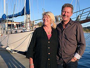 Siri Bangfil og Dag-Egil Bull Sletholt elsker friheten ved å bo i båt hele året og mener fjordbyen Oslo hadde kledd flere bobåthavner.