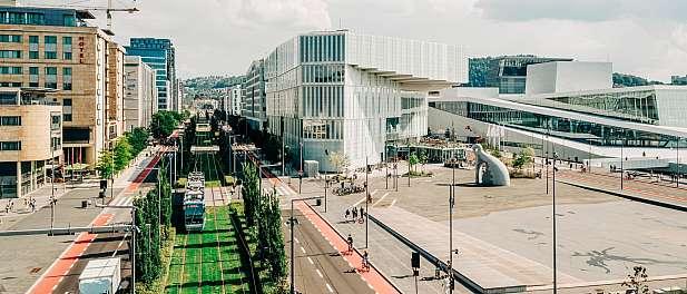 Deichman Bjørvika byr på seks etasjer med litteratur og kultur. Oslos nye hovedbibliotek skal være en møteplass alle byens innbyggere.