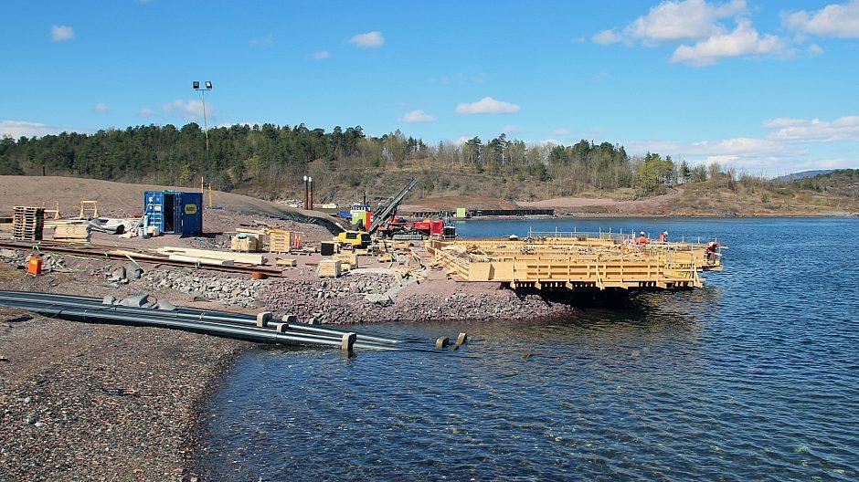 Her er ny kai under bygging og nye vann- og avløpsrør som kobles på fastlandet via Gressholmen og Hovedøya.