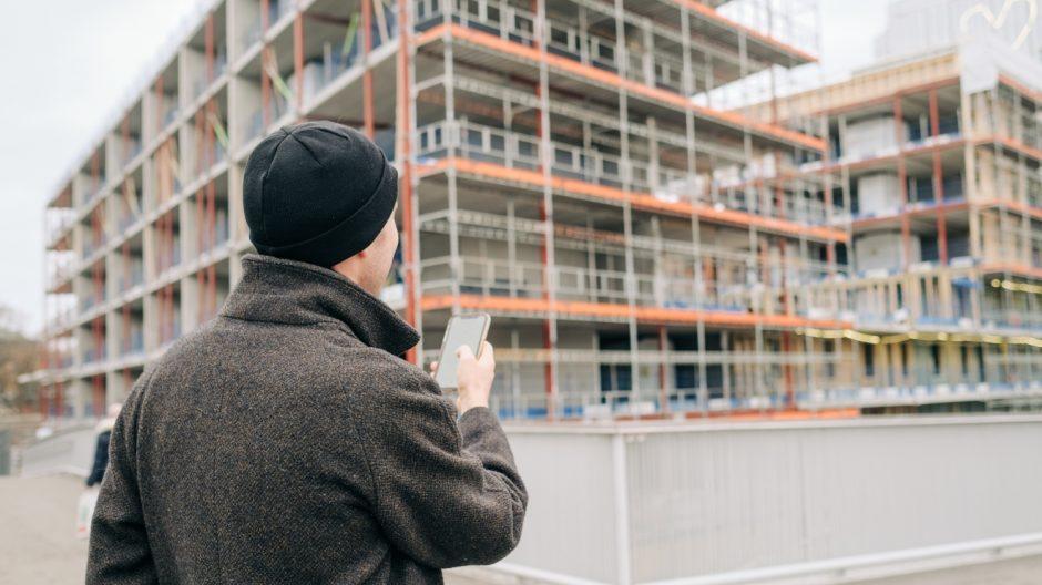 Den nye webapplikasjonen gir deg informasjon om ferdigregulerte boligprosjekter rett i lomma. Her på Ensjø i Oslo – ett område som opplever stor vekst i antall boligprosjekter.