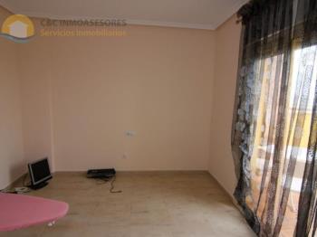 Duplex for sale in Comunidad Valenciana, Alicante, Guardamar del Segura photo 14