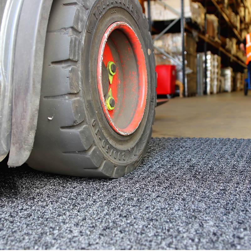 Superdry Heavy Traffic Warehouse Mat - Charcoal - 1.15m x 1.8m