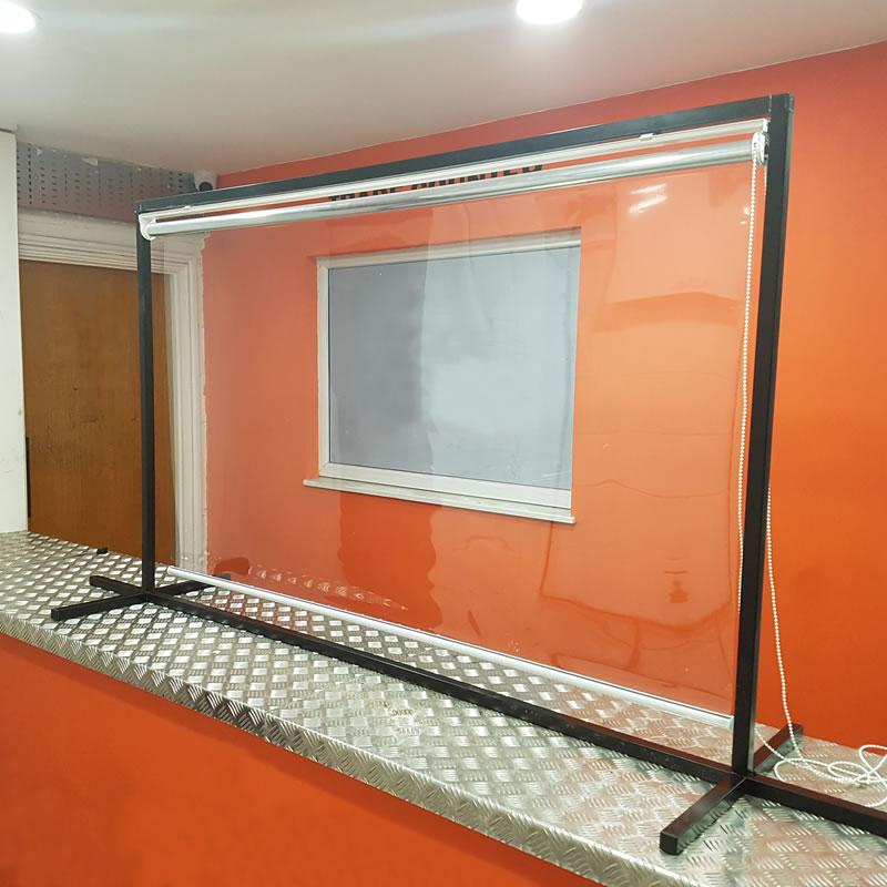 Freestanding Countertop Protective Roller Blinds