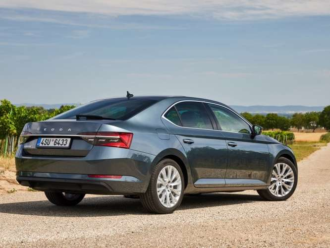 Skoda Superb Hatchback 2020