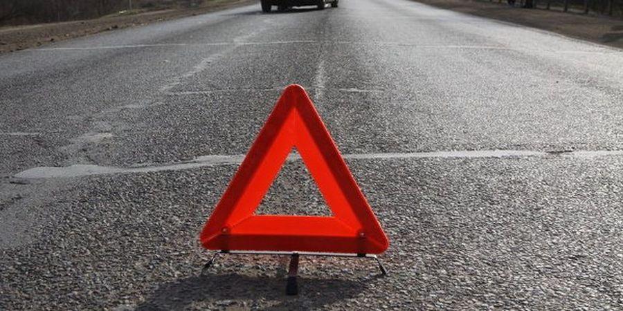 Частини авто розкидало на десятки метрів: Трагічна аварія на трасі «Київ-Чоп» забрала життя 2 людей (ВІДЕО)