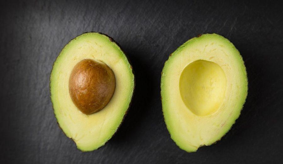 Медики розповіли, чому варто їсти авокадо щодня