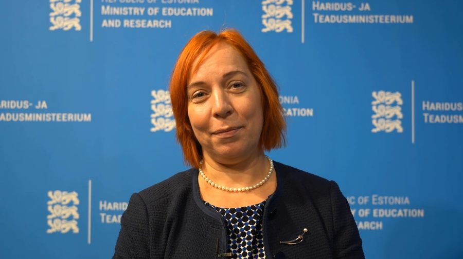 Естонський чиновник високого рангу подав у відставку за те, що підвозив своїх дітей в школу на службовому автомобілі