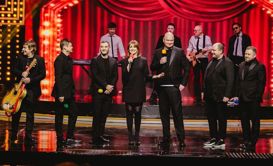 Жарти про Зеленського, рояль і Путіна: вийшов новий випуск шоу «Вечірній квартал» (ВІДЕО)